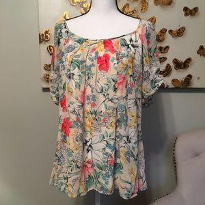 Roz & Ali floral top